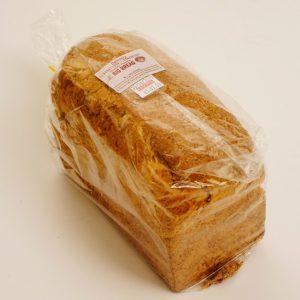 Pieza de pan molde integral